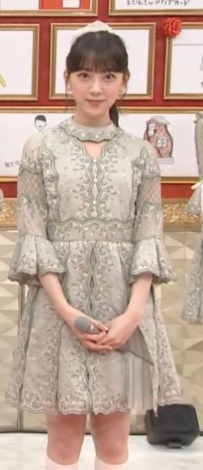 乃木坂46衣装の坂道-26th「僕は僕を好きになる」歌唱衣装